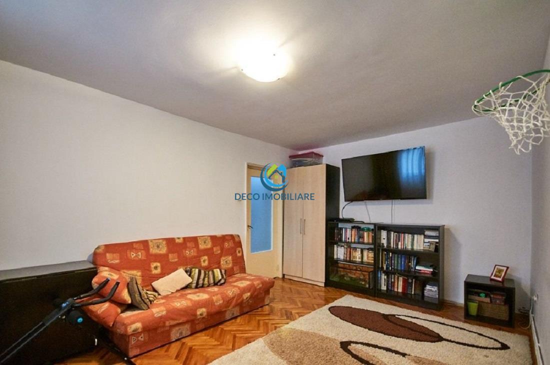 Apartament 3 camere decomandat in Manastur, Calvaria
