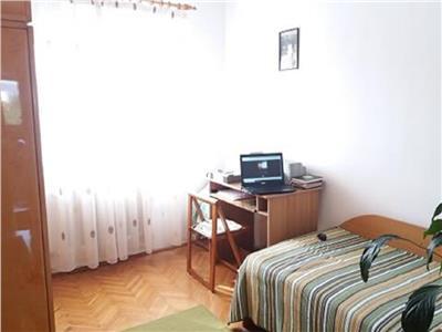 Apartament 3 camere decomandat cu 2 bai , zona P-ta Cipariu, Titulescu