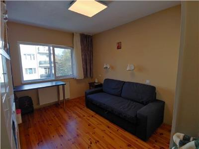 Apartament 2 camere confort sporit in Manastur, Restaurant Roata