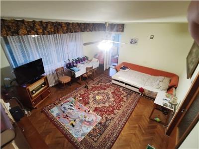 Apartament 3 camere confort sporit in A. Muresanu, zona Pasapoarte, P-ta Cipariu