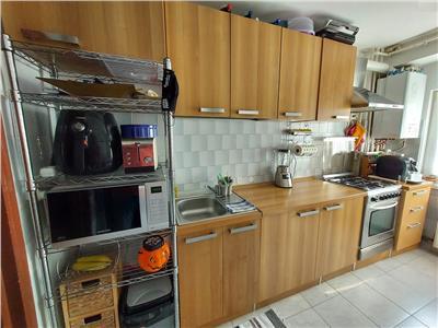 Apartament 3 camere confort sporit, 2 parcari, Central, Benzinaria Mol Dorobantilor
